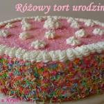Rozowy tort urodzinowy
