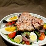 Salatka nicejska z tunczy...