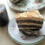 Tort makowy z kwaśną...