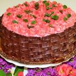 Tort kosz malinowo-...