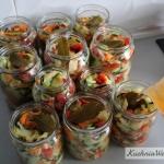 Wielokolorowa salatka z...