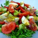 Letnia sałatka z jajkiem