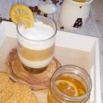 Latte z syropem piernikow...