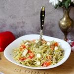 Spaghetti z zielonym...