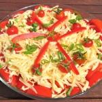 Salatka pomidorowo serowa...