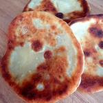 Chlebek naan (naan bread)...