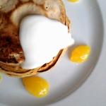 Pancakes z lemon curd i...