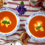 Aksamitna zupa pomidorowa...