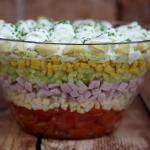 Warstwowa salatka z torte...