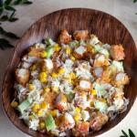 Sałatka ryżowa z surimi