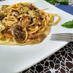 Spaghetti z sosem grzybow...
