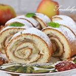 Rolada biszkoptowa z jabl...