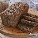 Chleb pszenny razowy z...