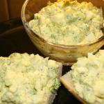 Pasta jajeczna z brokulam...