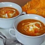 Zupa z dyni z papryką