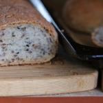 Chleb z ziarnem...