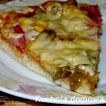 Pizza z oliwkami na...