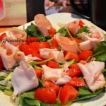 Salatka z szynka i szpina...
