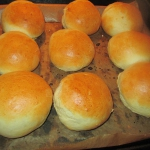 Domowe bulki sniadaniowe-...