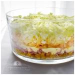 Salatka warstwowa z szynk...