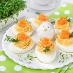 Jajka faszerowane pastą...
