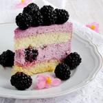 tort z kremem jezynowym