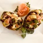 Salatka z awokado, lososi...