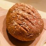 Chleb pełnoziarnisty,...