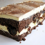 Ciasto z suszonymi sliwka...