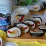Sushi z tuńczykiem,...