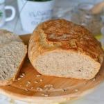 Domowy chleb razowy z...