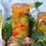 Ogorkowa salatka z warzyw...