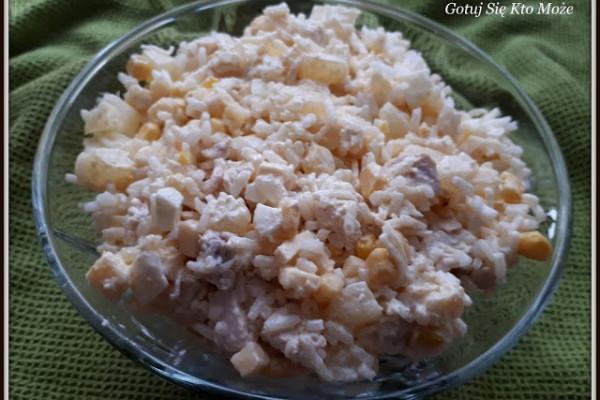 Rondel Pl Salatka Z Kurczakiem Ananasem I Selerem Konserwowym