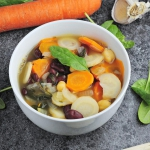 Roslinna zupa z fasola