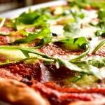 Pizza Margherita z salami...