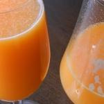 Zdrowy sok owocowy z wyci...