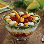 Salatka z kolbami kukuryd...
