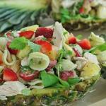 Salatka makaronowa z anan...