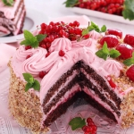 Tort mocno porzeczkowy