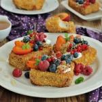 Migdalowe tosty z owocami...