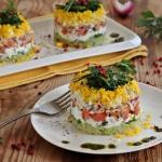Salatka z lososiem  i zie...